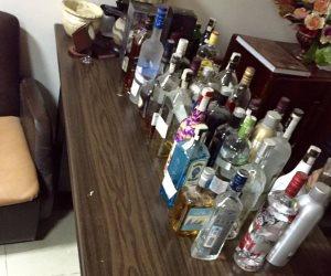 القبض على سائق لنقله 3156 زجاجة خمور بالموسكي
