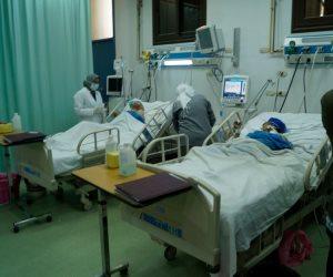 «رئيس كفر الزيات» يتابع شكاوى مرضى الغسيل الكلوي بالمستشفى العام