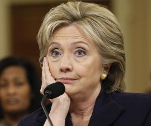 واشنطن كانت على علم باغتيال سفيرها.. تقرير حقوقي يفضح جرائم هيلاري كلينتون في ليبيا