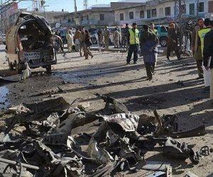 مقتل 6 أشخاص وإصابة 20 آخرين في تفجير انتحاري بباكستان