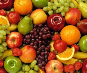 س و ج.. هل تناول الفواكه قبل النوم يضر الجسم؟
