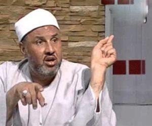 """اعتدوا عليه بالمسجد.. هل صدق الشيخ صبري عبادة في رواية """"الإخوان سبب إعفائي من منصبي""""؟"""