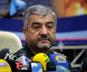 فيضانات إيران تؤجج الخلافات بين روحاني والحرس الثوري