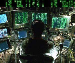 """تعاقب على إنشاء مواقع لنشر الأكاذيب.. 3 مواد بقانون """"جرائم الإنترنت"""" تواجه الظاهرة"""
