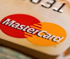 كيف تحمي ماستركارد المعلومات بمعاملات الدفع الإلكتروني؟