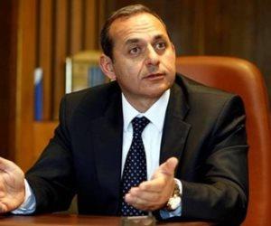 رئيس البنك الأهلي ينفي وقف تعاملات البنوك الصينية مع مثيلاتها المصرية