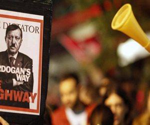 مقارنة بين «أردوغان» وهتلر في الصحف التركية..لماذا اعتقلت تركيا 3000 معارض؟