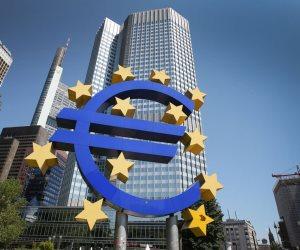 """""""المركزي الأوروبي"""" يطالب البنوك بعدم توزيع أرباح لتفادي حدوث أزمة ائتمان"""
