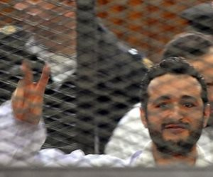 """""""أحداث مجلس الوزراء"""".. استكمال فض الأحراز في إعادة محاكمة أحمد دومة اليوم"""