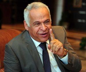 اسمع كلامك اصدقك..فرج عامر يدافع عن هيبة الدولة نهاراً ويتجاهل تطاول العميد على الشرطة ليلاً (صور)