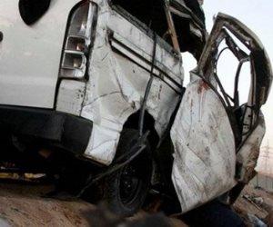 مصرع 3 أشخاص وإصابة 10 أشخاص إثر حادث انقلاب ميكروباص أعلى طريق الكريمات