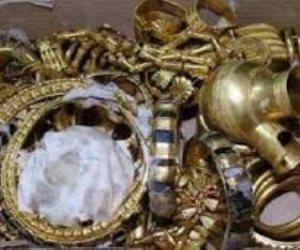 ضبط 14 قطعة يشتبه في أثريتها بنجع حمادي
