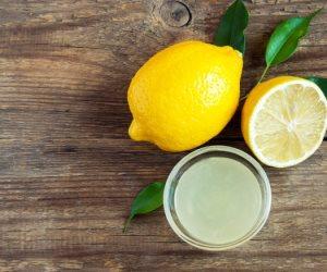 عصير الليمون والبصل الأحمر للتخلص من البقع الداكنة في الجسم