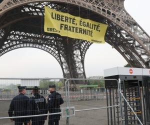 الانتخابات الفرنسية.. «قاوم» شعار التصويت ضد لوبان (صور)