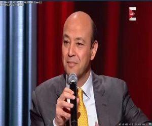 """عمرو أديب يعرض جائزة """"دير جيست"""" بـ""""On E"""": فخور لأنى أحصل على الجائزة منذ 14 عام"""
