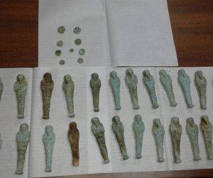 السياحه والآثار تضبط 35 تمثالا أثريا بحوزة عامل في المنيا (صور)