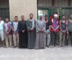 القبض على 12 شخصا أثناء التنقيب عن الآثار في سوهاج (صور)