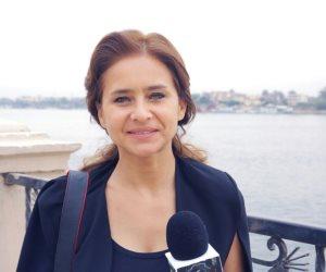 نيللي كريم تزور مصابي حادث الواحات الإرهابي