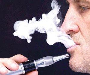 استخدام المراهقين للسجائر الإلكترونية يجعلهم أكثر عرضة 5 مرات للتدخين