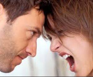 جبروت امرأة.. طلبت من زوجها تقديم طلب رسمي كي تسمح له بسهرة مع زملائه