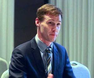 سفير بريطانيا بالقاهرة يهنئ منتخب مصر للصم البكم لحصوله على البرونزية