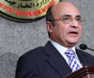 وزير شئون مجلس النواب يقدم واجب العزاء لوكيل مجلس النواب في وفاة زوجته