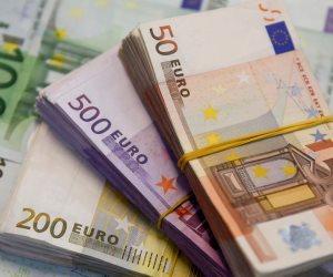 اليورو يرتفع لأعلى مستوى في 14 شهرا