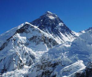 الصين : حملة إزالة أطنان من النفايات بجبل إيفرست