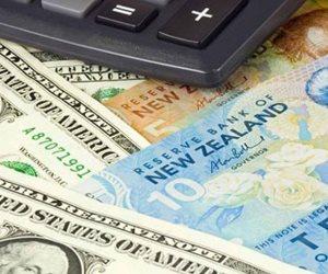 انخفاض عملتي نيوزيلندا وكندا بفعل مخاوف محلية