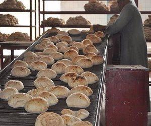 300 مليون رغيف بـ5 قروش.. كيف تجنبت الحكومة زيادة الخبز بعد اسعار الوقود الجديدة؟