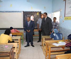محافظ المنوفية يتفقد لجان امتحانات الشهادة الإعدادية (صور)