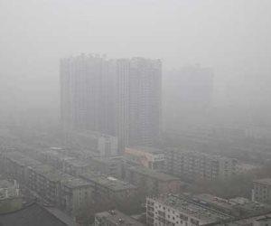 الضباب الدخاني السام يخنق العاصمة الهندية مع فشل إجراءات الطواريء