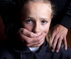 أندونيسى يختطف فتاة في كهف 15 عاما.. 4 قصص أغرب من الخيال عن الخطف تعرف عليها