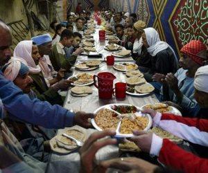 1200 وجبة يومية في خيم رمضانية وتوزيع وجبات بالمواقف والطريق الدولي بكفر الشيخ