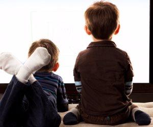 استطلاع: 87% الأطفال يقضون وقتهم أمام التلفزيون