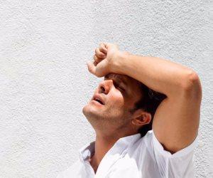 تعرف على الإسعافات الأولية لعلاج ضربات الشمس (إنفوجراف)