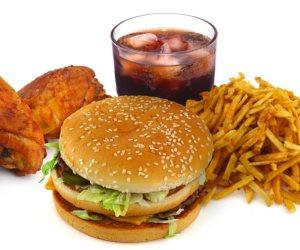 لو مدمن وجبات سريعة .. نصائح تساعدك في الابتعاد عنها والتحول إلي الطعام الصحي
