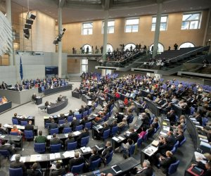 البرلمان الألماني يصدق على قانون يبطل فيه زواج من دون 16 عاما