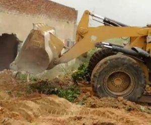 """""""دمياط"""" تشن حملة لإزالة التعديات على الأراضي الزراعية فى كفر البطيخ"""