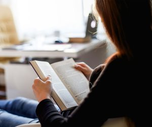 """من غذاء الروح""""ستجد مخرج لكل أزماتك تعلم أدب الحوار والثقة بالنفس..فوائد القراءة"""