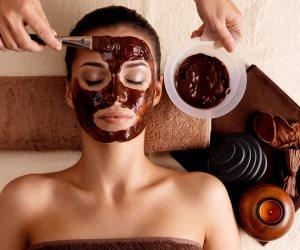 من غير عمليات.. 3 طرق طبيعية لشد جلد الوجه