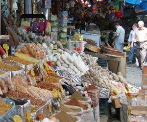 طرح منتجات رمضان بالمجمعات الاستهلاكية.. والأسعار «مناسبة»