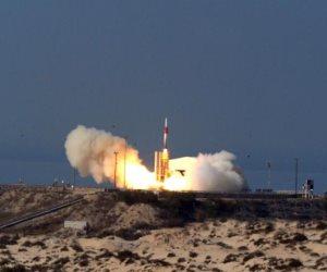 إسرائيل تجري إطلاق صاروخ بتل أبيب (فيديو)