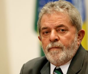 المحكمة العليا في البرازيل تؤجل حكما متوقع بموجبه الإفراج عن الرئيس السابق