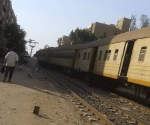 خروج قطار «القاهرة- شبين الكوم» عن القضبان بمحطة أشمون بالمنوفية (صور)