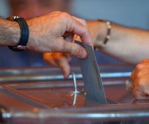 حنان الألفي أول سيدة بورسعيدية تتقدم بأوراق ترشحها لإنتخابات المصري