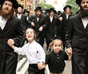 اليهود المتشددين في نيويورك يحتجون على قانون التجنيد بالجيش الإسرائيلي