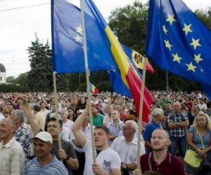 آلاف يحتجون في مولدوفا على تغييرات مقترحة في النظام الانتخابي