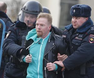 أمريكا تستنكر اعتقال متظاهرين في روسيا