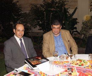 أحمد درويش وأشرف حاتم في حفل سحور المستشار الثقافي الأمريكي (صور)